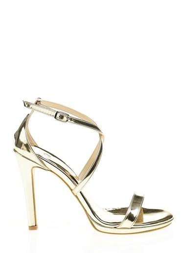 Bambi İnce Topuklu Ayakkabı Altın